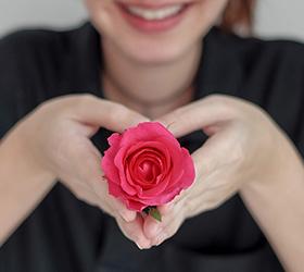 Langage des fleurs, la signification des fleurs par Interflora