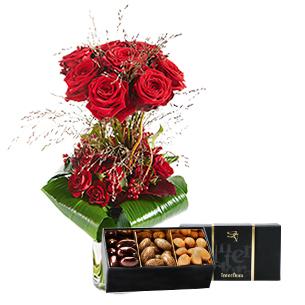 Bouquet de roses Audace et son écrin d'amandes au chocolat Amour