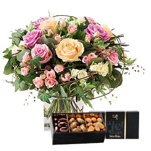 Fleurs et cadeaux Charme et son écrin d'amandes au chocolat Anniversaire