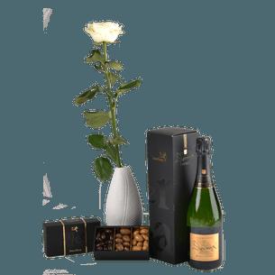 Bouquet de roses Trio festif Félicitations