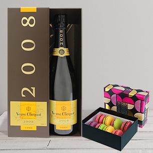 Fleurs et cadeaux Champagne Veuve Clicquot et ses macarons FAUCHON