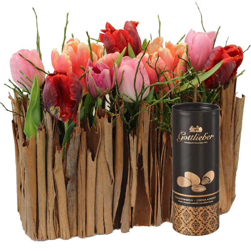 Bouquet de fleurs Stylish Miniature Tulip Garden with Gottlieber cocoa almonds