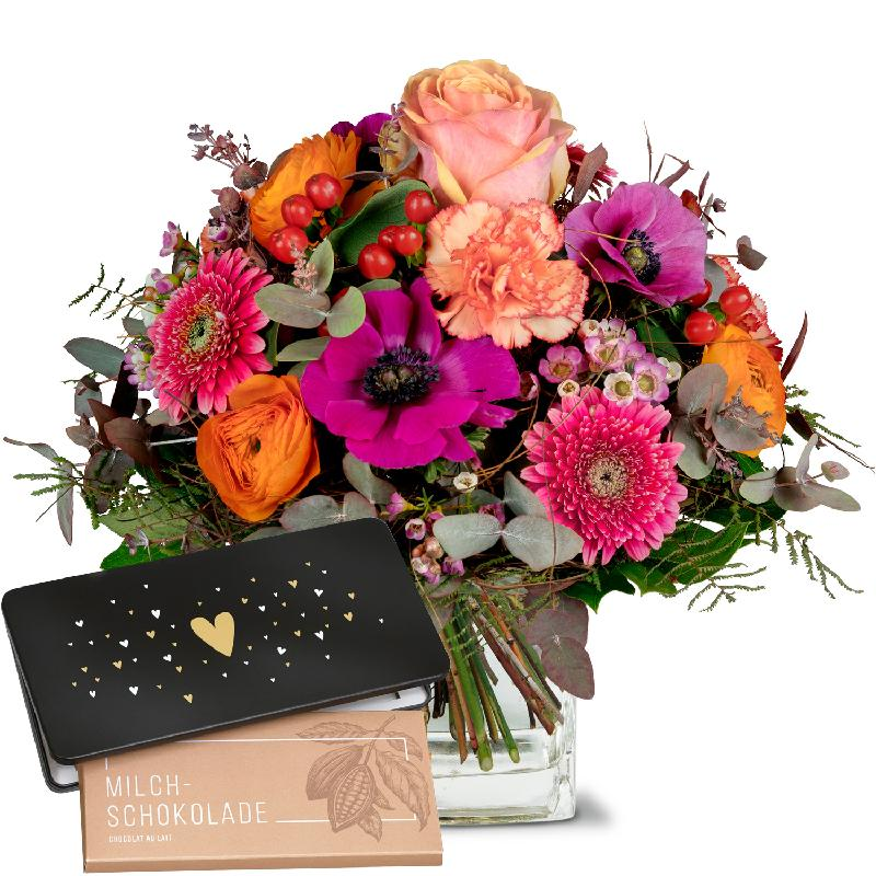 Bouquet de fleurs The Magic of Spring with bar of chocolate «Heart»