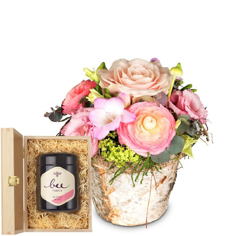 Bouquet de fleurs Sweet Spring Basket with Swiss blossom honey