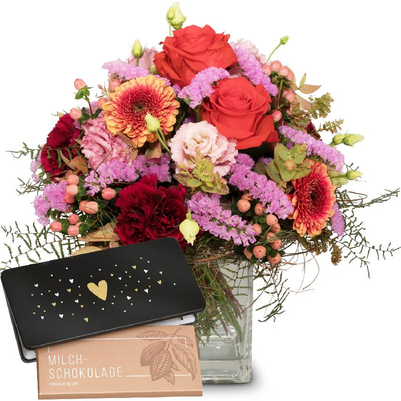 Bouquet de fleurs Colorful Wishes with bar of chocolate «Heart»