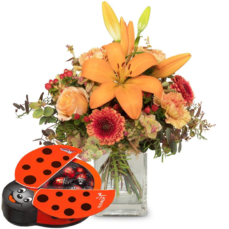 Bouquet de fleurs Harmony of Lilies with chocolate ladybird