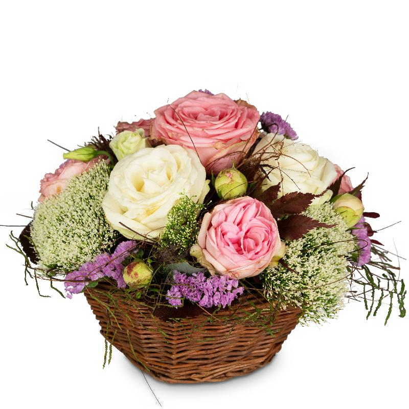 Bouquet de fleurs A Basket full of Poetry with Roses