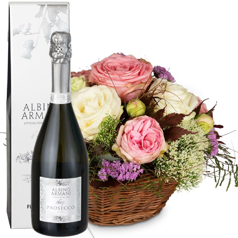 Bouquet de fleurs A Basket full of Poetry with Roses and Prosecco Albino Arman