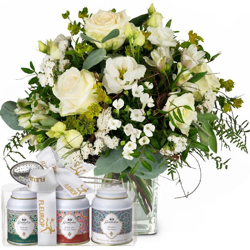 Bouquet de fleurs Natural Magic of Blossoms with Gottlieber tea gift set