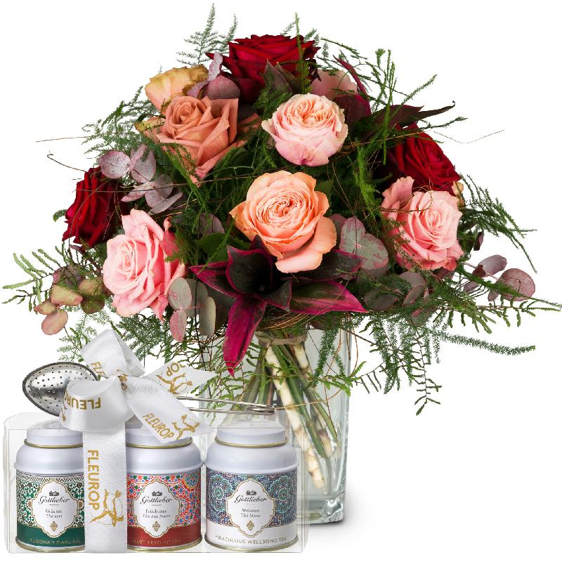 Bouquet de fleurs Romantic Roses with Gottlieber tea gift set