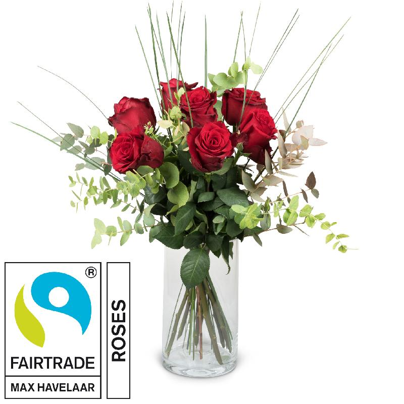 Bouquet de fleurs 7 Red Fairtrade Max Havelaar-Roses with greenery