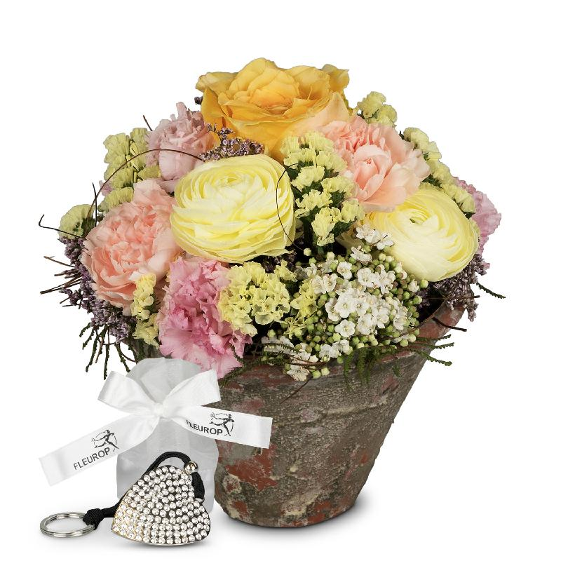 Bouquet de fleurs Delicate spring poetry incl. Key Ring with 112 Swarovski® cr