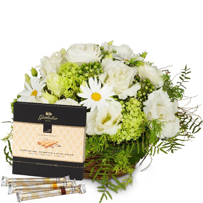 "Bouquet de fleurs Spring Dream in a Basket with Gottlieber Hüppen ""Special Edi"