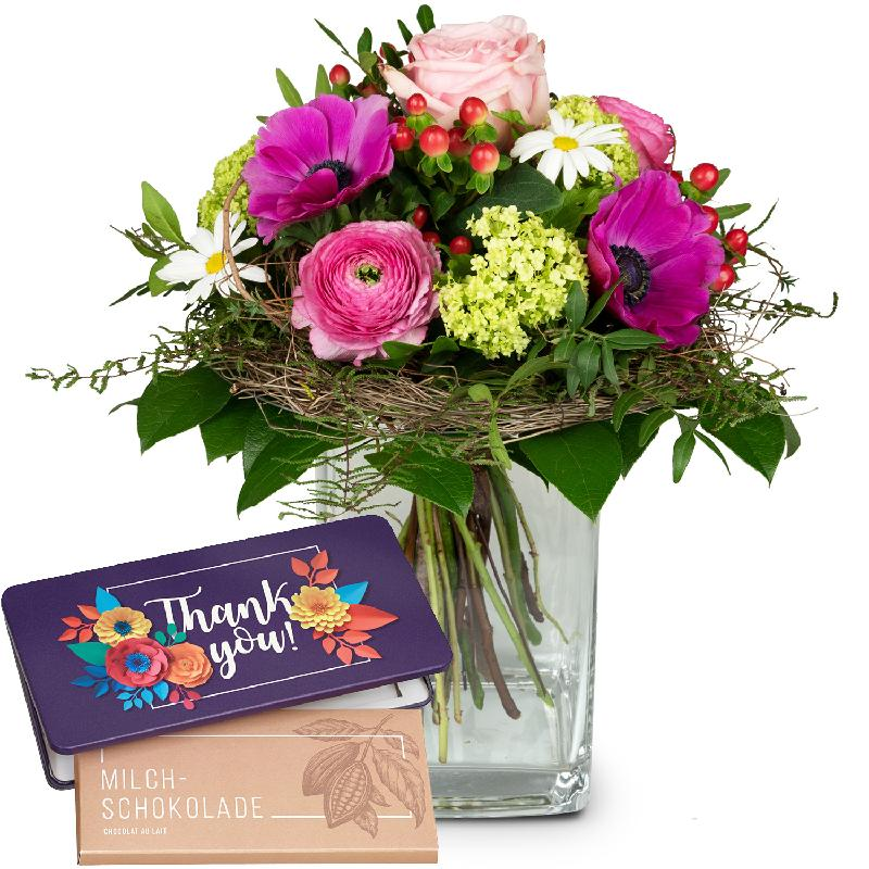 Bouquet de fleurs Soft Springmeadow with bar of chocolate «Thank you»