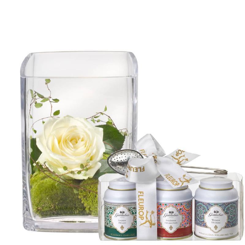 Bouquet de fleurs Warm Greetings (including vase) with Gottlieber tea gift set