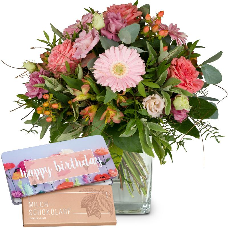 Bouquet de fleurs Sweet Romance with bar of chocolate «Happy Birthday»