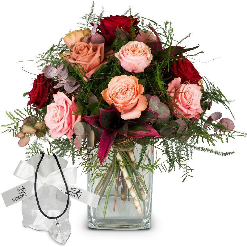 Bouquet de fleurs Romantic Roses with Swarovski® crystal heart