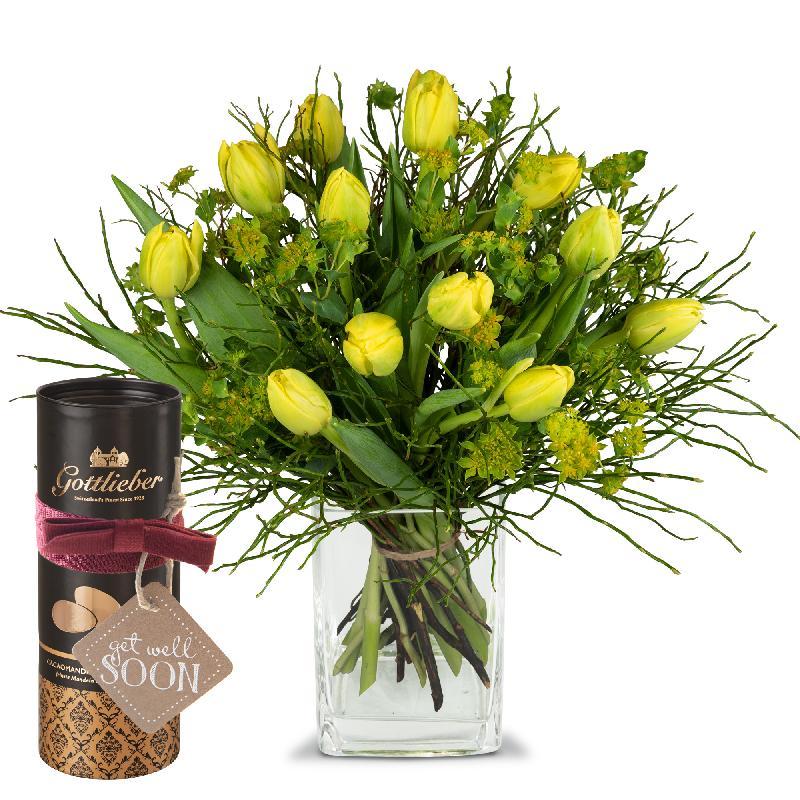 Bouquet de fleurs Sunny spring composition with Gottlieber cocoa almonds and h
