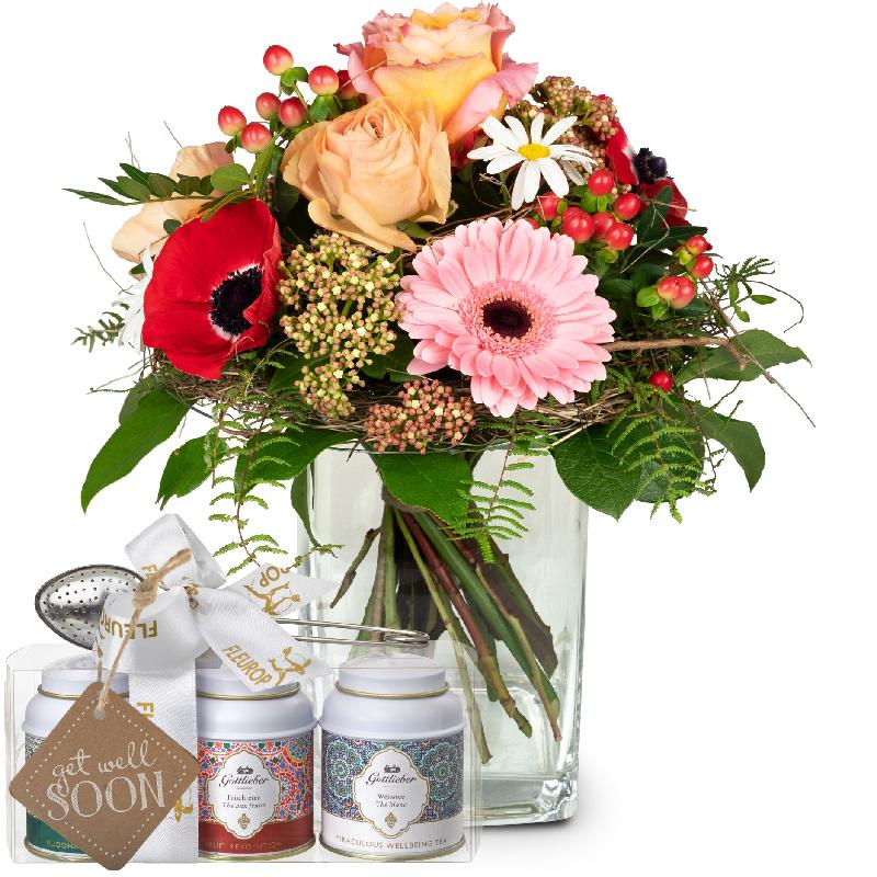 Bouquet de fleurs Melody of Spring with Gottlieber tea gift set and hanging gi