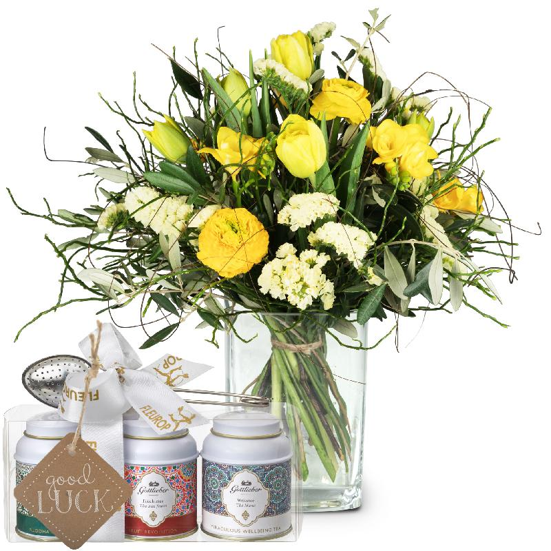 Bouquet de fleurs Spring Feeling with Gottlieber tea gift set and hanging gift