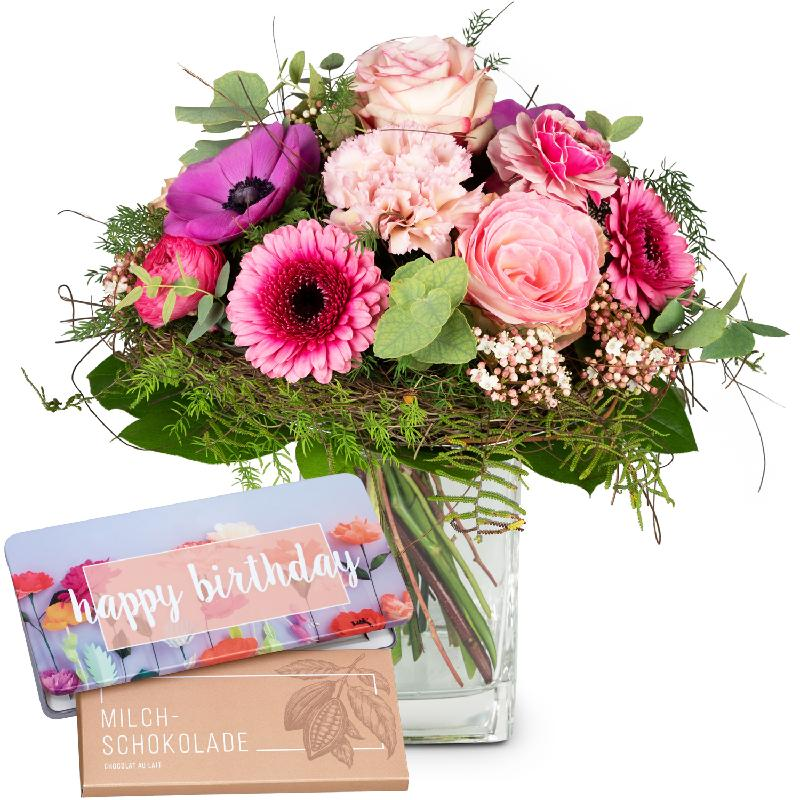Bouquet de fleurs Spring Greeting with Delicate Flowers with bar of chocolate