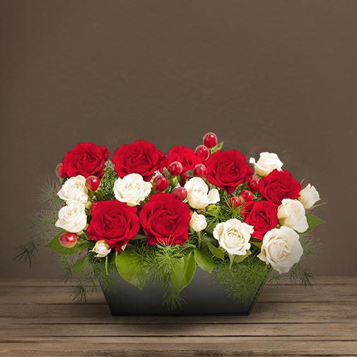 Fleurs deuil Composition blanche et rouge avec des roses