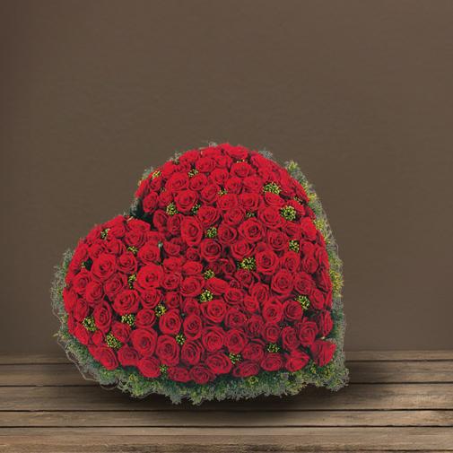 Fleurs deuil Cœur de roses rouges