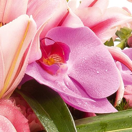 Fleurs deuil Corbeille en longueur à dominante rose