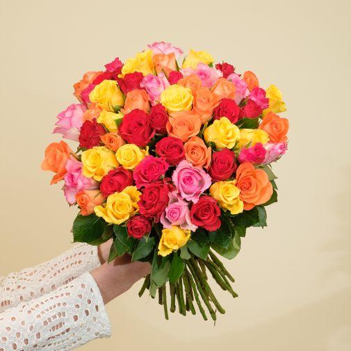 Fleurs et cadeaux Brassée de roses multicolores et son coffret L'occitane en Provence