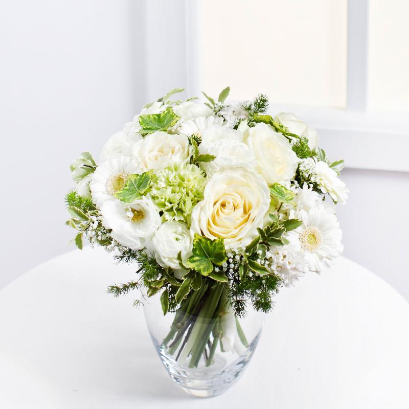 Bouquet de fleurs Romantic Bouquet in White Colours