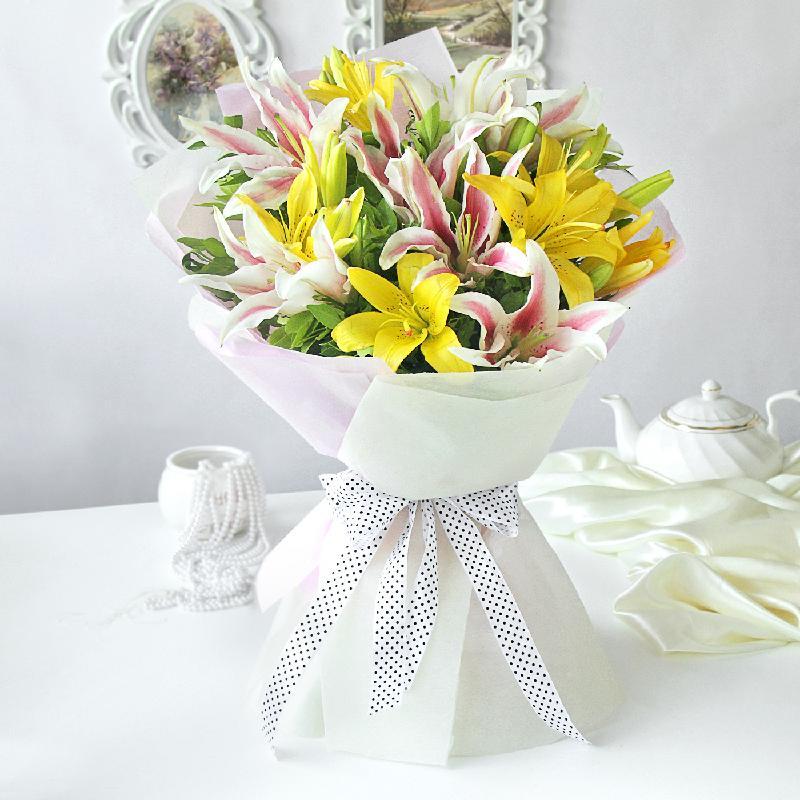 Bouquet de fleurs Elegant Mix of Lilies
