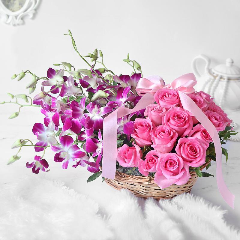 Bouquet de fleurs Gorgeous Purple Orchids & Pink Roses in Basket Arrangement
