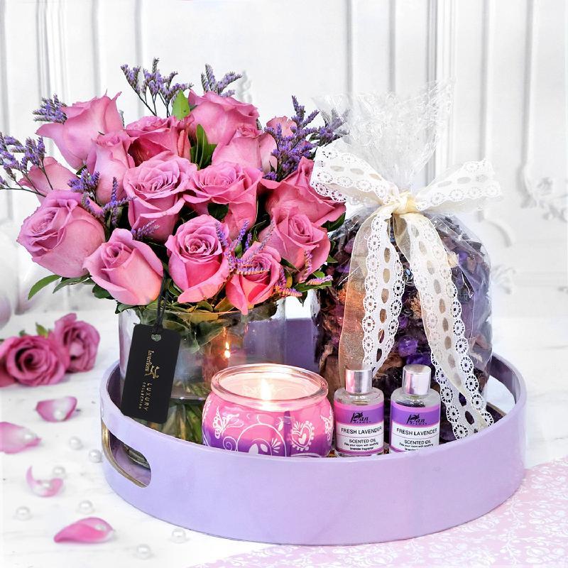 Bouquet de fleurs Lush & Lovely Lilac Dreams Hamper