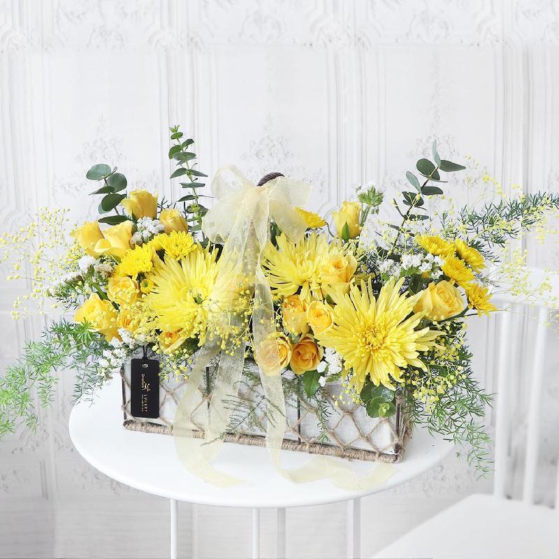 Bouquet de fleurs Elated Spirit Floral Hamper