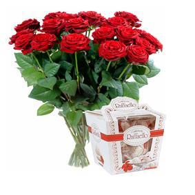 Bouquet de fleurs Bouquet of roses and Raffaello candies